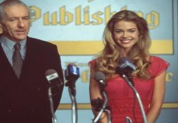 Barry Newman und Denise Richards in 'Good Advice'