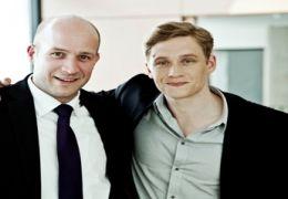 Staatssekretär Ingmar Jung mit Regisseur,...acher