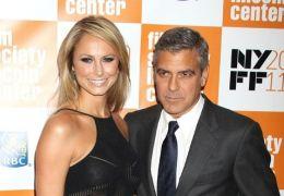 Stacy Keibler mit George Clooney