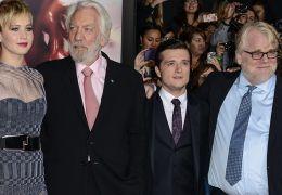 Catching Fire-Besetzung: Liam Hemsworth, Jennifer...Tucci