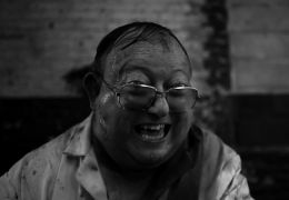 The Human Centipede 2 mit Laurence Harvey