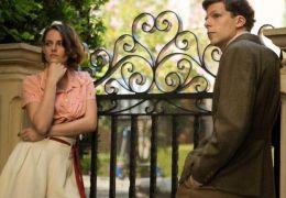 Kristen Stewart und Jesse Eisenberg in Café Society