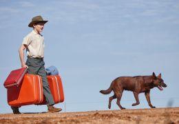 Mick (Levi Miller) und Blue (Phoenix) in Red Dog:...ders