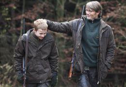 Die Jagd - Lucas (Mads Mikkelsen) und sein Sohn...Jagd