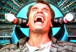Arnold Schwarzenegger in Total Recall - Die totale...erung