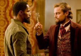 Django Unchained - Django (Jamie Foxx, l.) und Calvin..., r.)