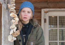 Winter's Bone - Ree (Jennifer Lawrence) ist fest...mpfen
