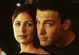 Maura Tierney mit Ben Affleck in 'Auf die stürmische...1999