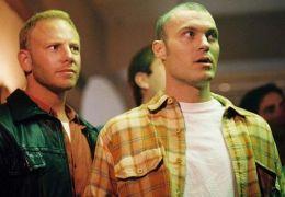Ian Ziering und Brian Austin Green in 'Domino' (2005)