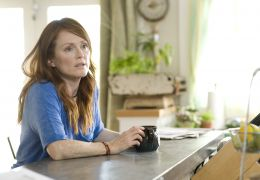 The Kids Are All Right - Julianne Moore stars as Jules