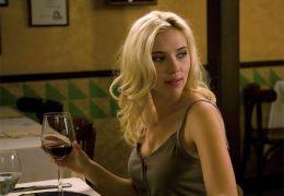 Cristina (Scarlett Johansson)