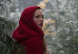 Red Riding Hood - AMANDA SEYFRIED as Valerie