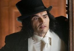 Russell Brand in 'Arthur'