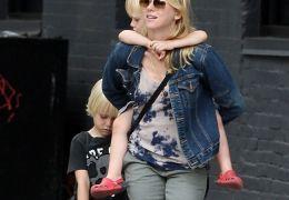 Naomi Watts mit ihren Söhnen