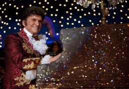 Behind the Candelabra - Michael Douglas
