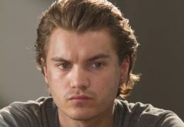 Emile Hirsch in The Darkest Hour
