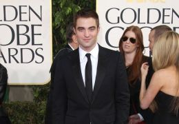 Robert Pattinson bei den Golden Globes 2013