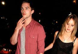 Nicholas Hoult mit Jennifer Lawrence