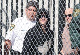Grinsemann: Justin Bieber bei seiner Freilassung