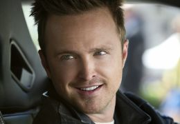 Need for Speed - Aaron Paul spielt den Automechaniker...hall.