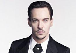 Jonathan Rhys Meyers als 'Dracula'