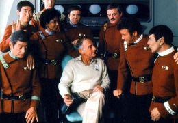 Harve Bennett mit der Star Trek-Crew