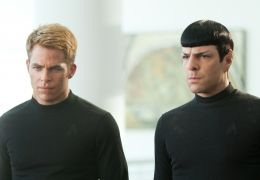 Chris Pine und Zachary Quinto in Star Trek: Into Darkness