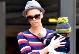 Charlize Theron mit ihrem ersten Sohn Jackson