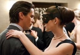 Christian Bale und Anne Hathaway in The Dark Knight Rises