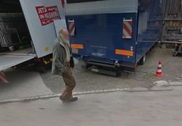 Bruno Ganz verpixelt auf Google Street View
