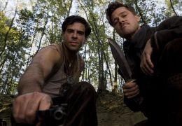 Brad Pitt und Eli Roth in Inglourious Basterds