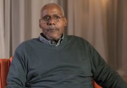 Bill Nunn in Sirens