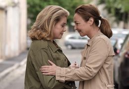 Catherine Deneuve und Catherine Frot in Sage femme...ovost