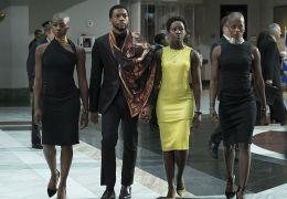 Black Panther mit Florence Kasumba, Chadwick Boseman,...urira
