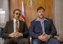 The Nice Guys - Holland March (Ryan Gosling, links)...rowe)