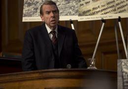 Verleugnung - David Irving (Timothy Spall) vertritt...richt