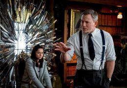 Knives Out - Ana de Armas (Marta) und Daniel Craig...lanc)