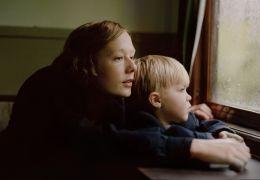 Astrid - Astrid (Alba August) mit Sohn