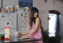 Natalie (Zooey Deschanel) schaut ihrer Liebe...other