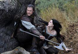 Snow White and the Huntsman - Chris Hemsworth und...ewart