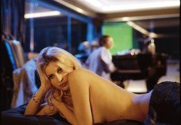 Brigitte Bardot (Laetitia Casta) in 'Gainsbourg - Der...ebte'