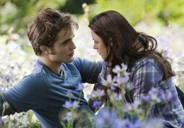 Bella (Kristen Stewart) und Edward (Robert Pattinson)...drot'